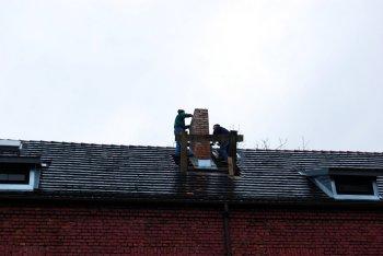 Prace przy kominie