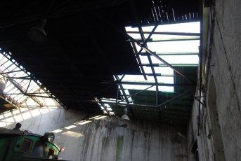 Naprawa dachu na hali wacharzowej