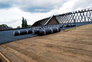 Remont dachu ze środków ŁWKZ - rolki papy