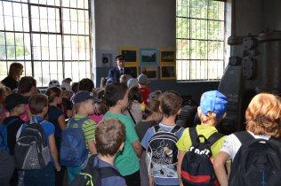 Dzień Otwarty dla szkół - dzieci w kuźni