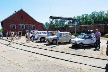 Dzień Dziecka 2015 - samochody zabytkowe od toru nr 63