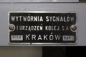 Postreunek odstępowy, tabliczka wytwórni na ławie dźwigniowej