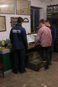 Zwiedzanie wystawy USRK w trakcie sierpniowego obozu