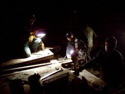 Nocne prace przy obrotnicy