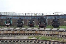 25-lecie PSMK, parowozy przed halą wachlarzową